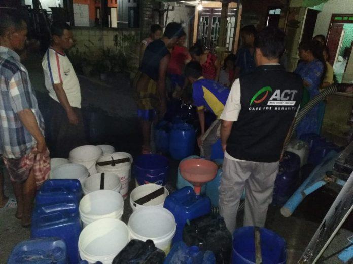 Akhir Oktober Kekeringan Masih Melanda Jatim, ACT Salurkan Bantuan Air Bersih