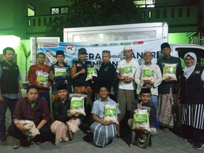 Program Beras untuk Santri Indonesia ACT Sapa Pesantren Tempat Belajar K.H Hasyim Asy'ari