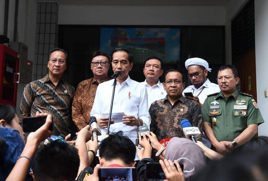 Penundaan Pelantikan Presiden dan Kebijakan Memecah Konsentrasi Massa