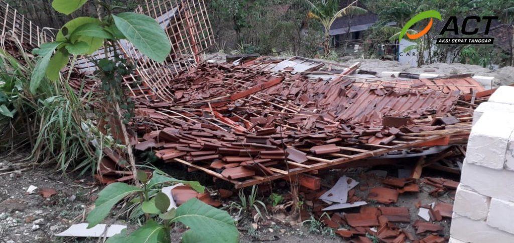 Angin Kencang dan Hujan Es Landa Bojonegoro, ACT Ajak Berdonasi