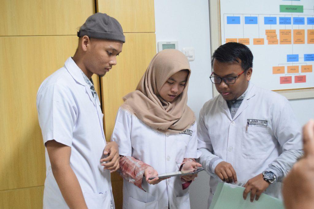 Aplikasi Diagnosis THT Antarkan Mahasiswa FK Unusa Jadi Juara Kompetisi Ilmiah Nasional