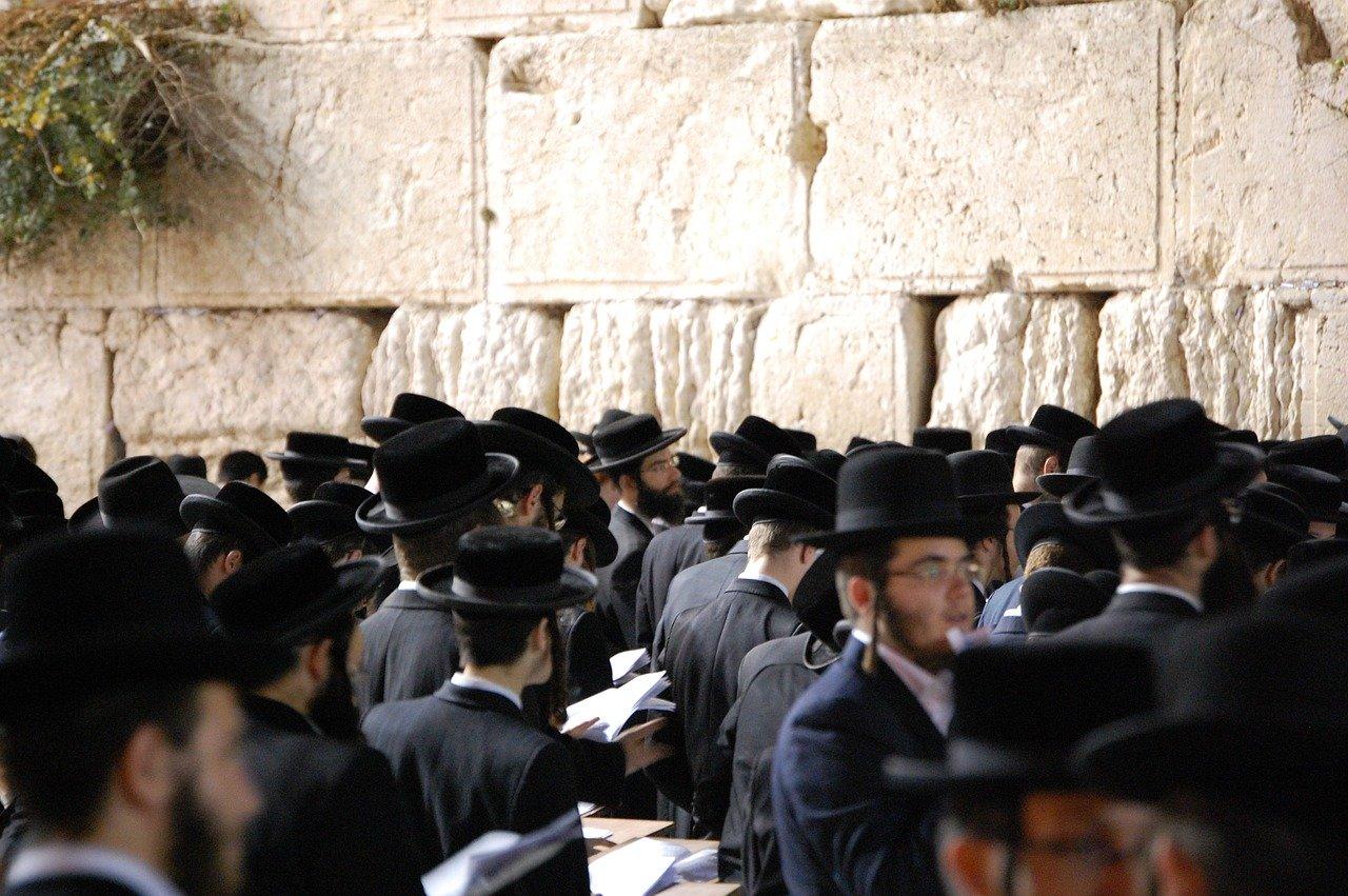 Bagaimana Israel Mengajar Anak-Anaknya untuk Membenci