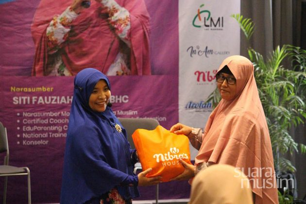 Workshop Parents as Coach Radio Suara Muslim Surabaya