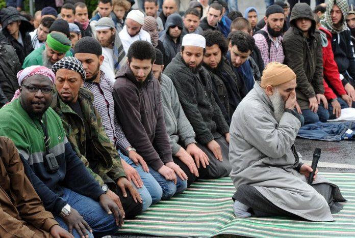 """Intimidasi """"Ekstremis"""" Sayap Kanan Terhadap Muslim di Jerman Memprihatinkan"""