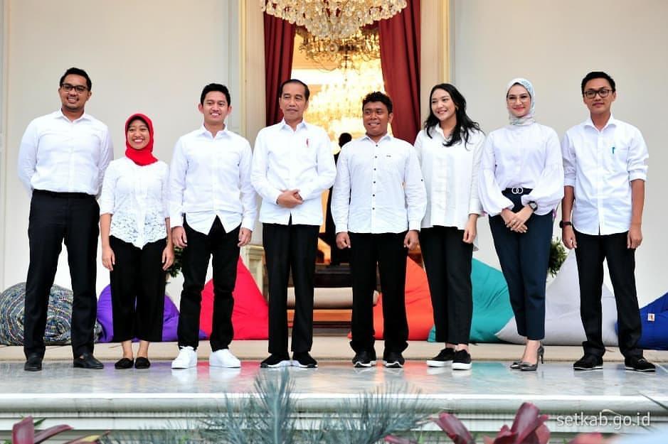 Presiden Jokowi Kenalkan 7 Milenial sebagai Staf Khusus Presiden, Ini Profilnya