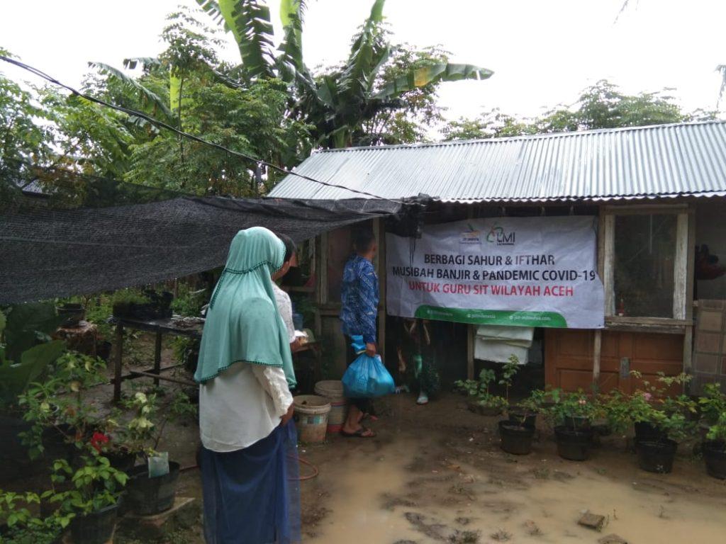 LMI, JSIT dan ZIS Indosat Kolaborasi Bantu Warga Aceh Terdampak Banjir