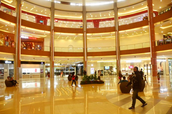 Menyisihkan Agama Dari Ruang Publik - Pembukaan Mall di Bekasi