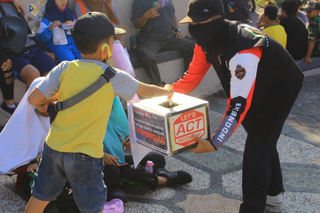 Bersama Atasi Bencana, ACT Jatim Gandeng Komunitas Muda Galang Donasi Kemanusiaan